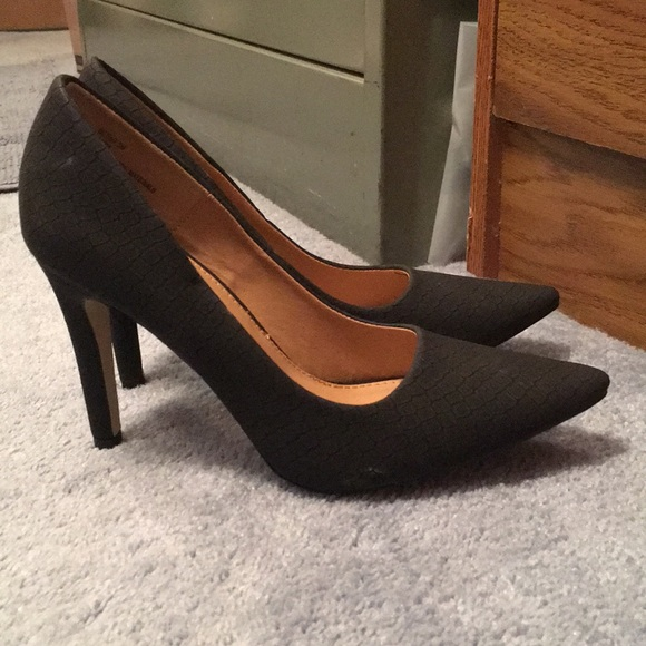 e60bfed31c8 🎉HOST PICK 🎉Diba London heels. 7.5